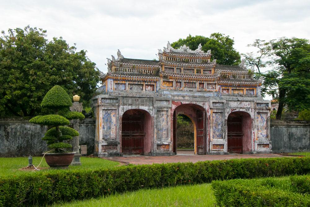 Hue-Citadel-Vietnam_16.jpg
