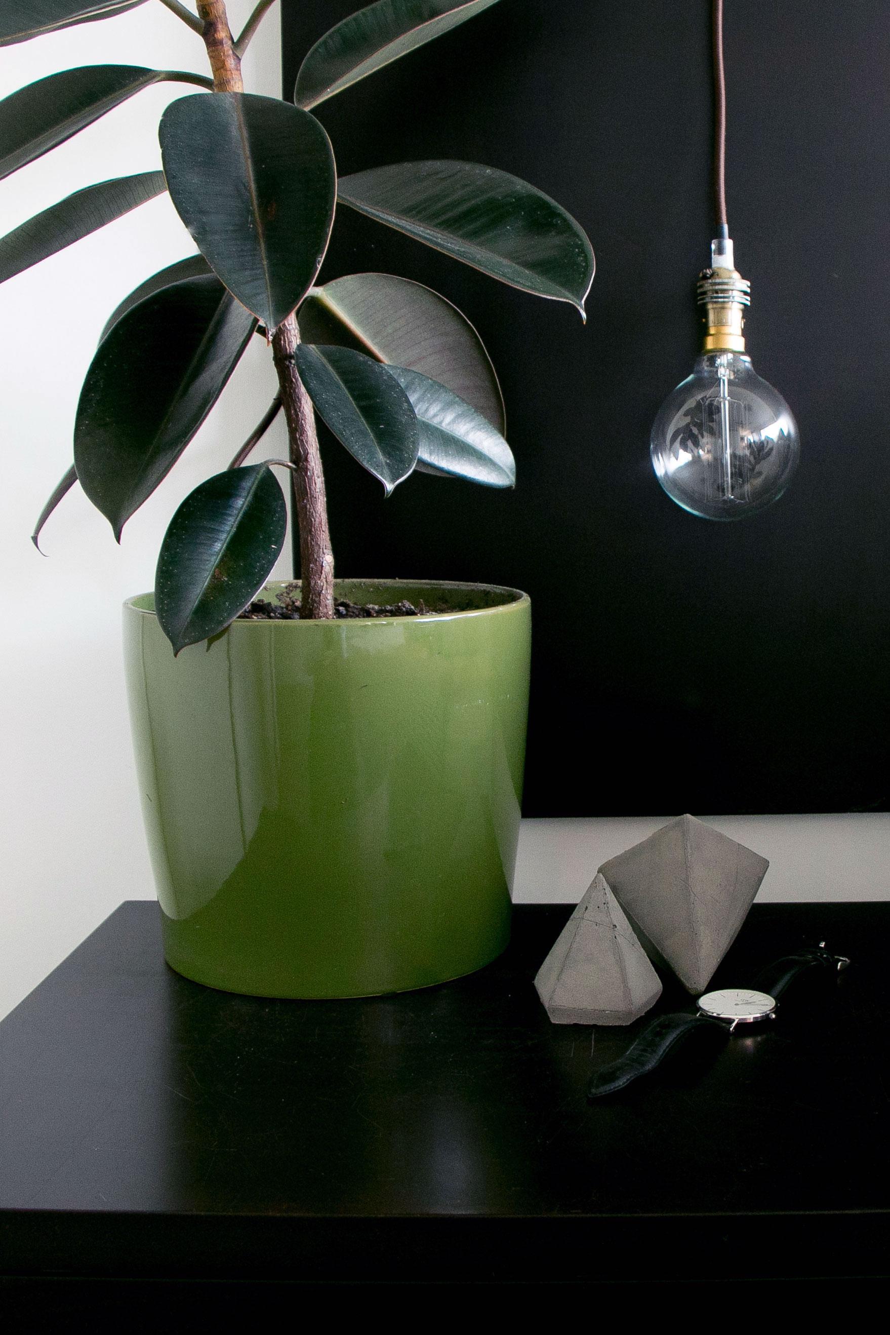 DIY Concrete Diamond Ornaments Pin It