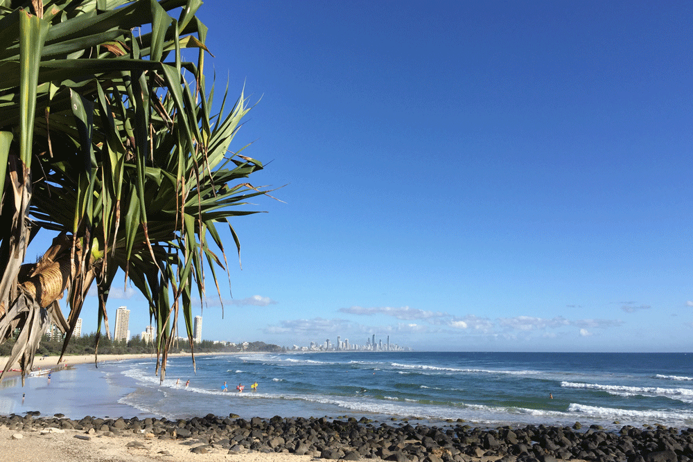 where to stay on the gold coast