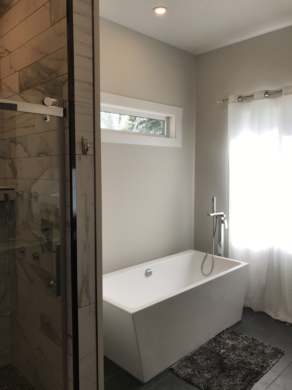 large soaker tub in new bathroom