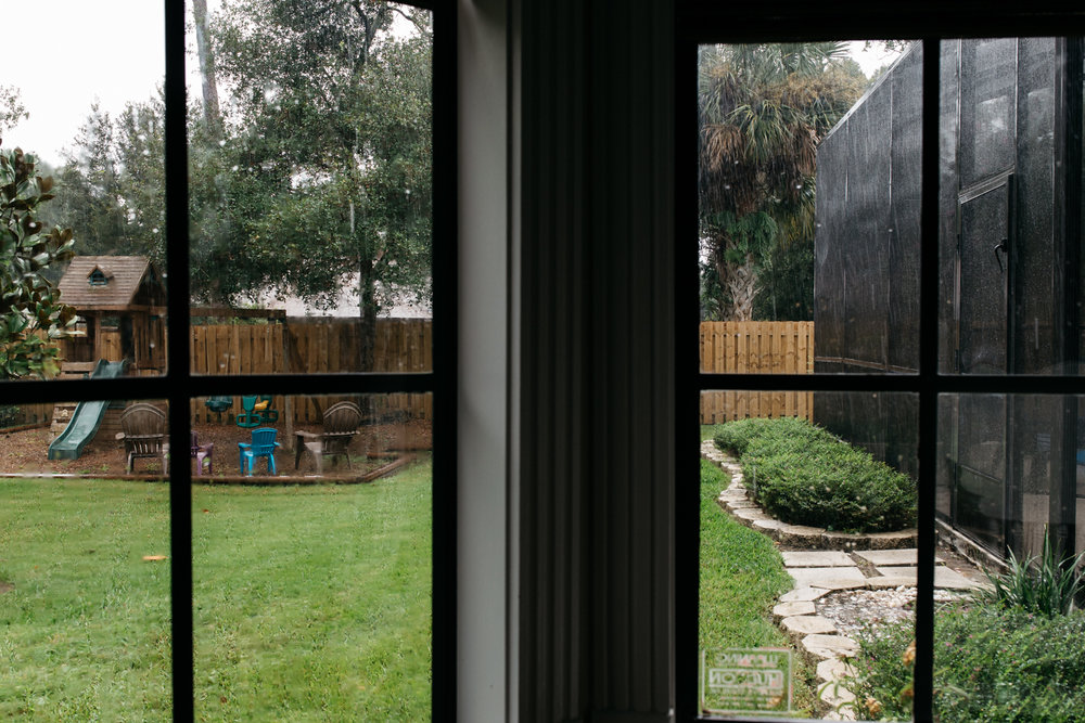 Backyard on a Rainy Day Orlando Family Photgrapher.jpg