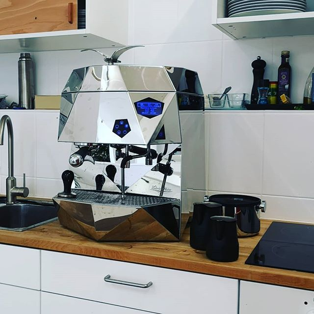 For now, we are just making coffee with it, but I'm pretty sure it can also 3d Print and CNC mill. #victoriaarduino . . . . . . . . #designthinking #furnituredesign #officefurniture #whiteboard #workspace #design #idea #ideation #innovation #creative #woodworking #woodwork #3d #cad #animation # #aftereffects #c4d #octane #studiotools #lean #agile #ifdesignaward #photoshoot #photography #germandesignaward #maker #makersmovement #prototype  #coffee