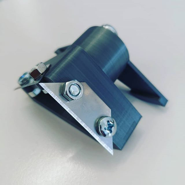 We spent a long time looking for this quite special punching tool. We didn't find it exactly the way we need it, so we bought this old punching tool in a thrift shop, designed the missing parts in #fusion 360 and printed them on the #prusai3mk3. . . . . . . #designthinking #furnituredesign #officefurniture #whiteboard #workspace #design #idea #ideation #innovation #creative #woodworking #woodwork #3d #cad #animation # #aftereffects #c4d #octane #studiotools #lean #agile #ifdesignaward #photoshoot #photography #germandesignaward #maker #makersmovement #prototype