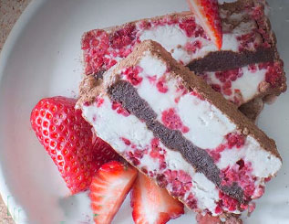 Iced Raspberry Choc Log