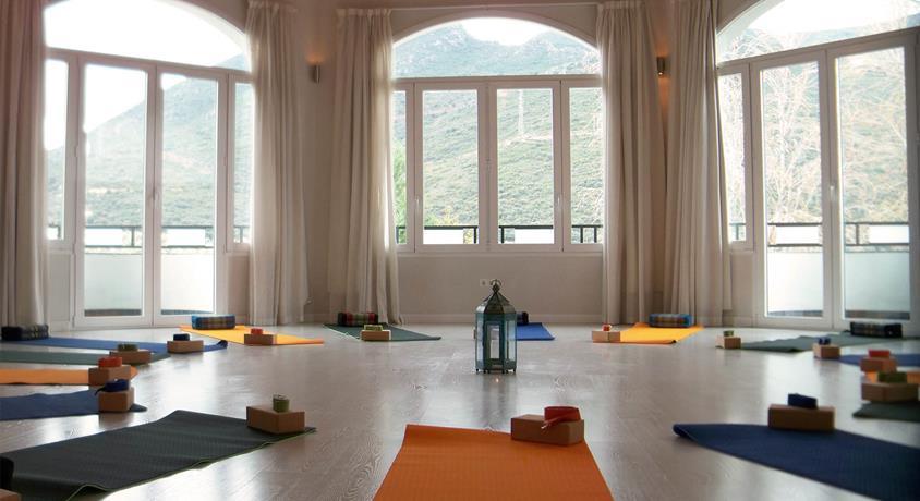 4-1-yoga-Granada-Retreat-Center-.jpg