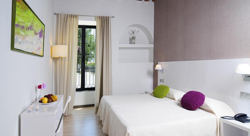 1-3-interior-Granada-Retreat-Center-.jpg