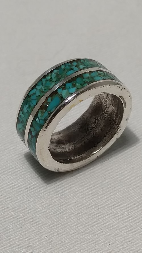 ab95c91ac6a69 Vintage ring with crushed turquoise inlay in sterling silver from ...
