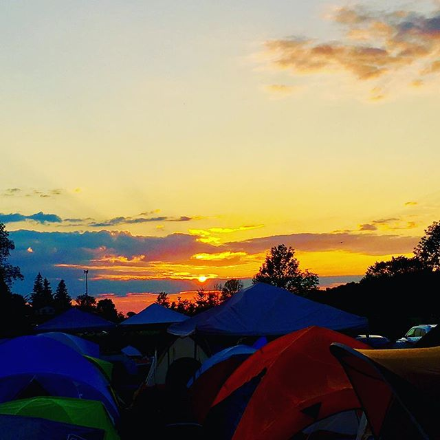 Sunrise on Sunday WAYHOMIES!  Who is ready for the final day of #Wayhome #wayhome2017 #camping #tent #sunday #sunrise #sky #music #festival #vacation #morning #coffee #nosleep