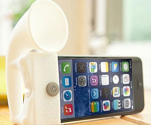iPhone Speaker Amplifier Stand £14.99