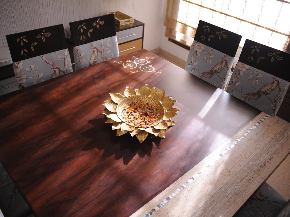 designer-dining-table-square