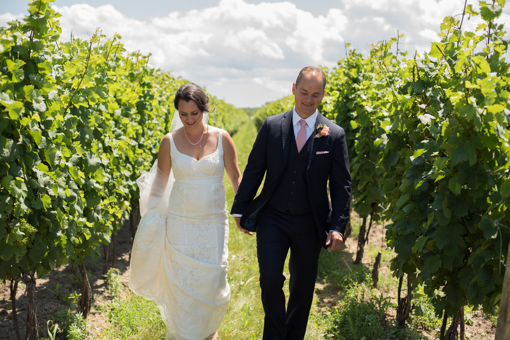 Honsberger Estate Winery Wedding with Soundslikeyellowphotography in Niagara on the Lake