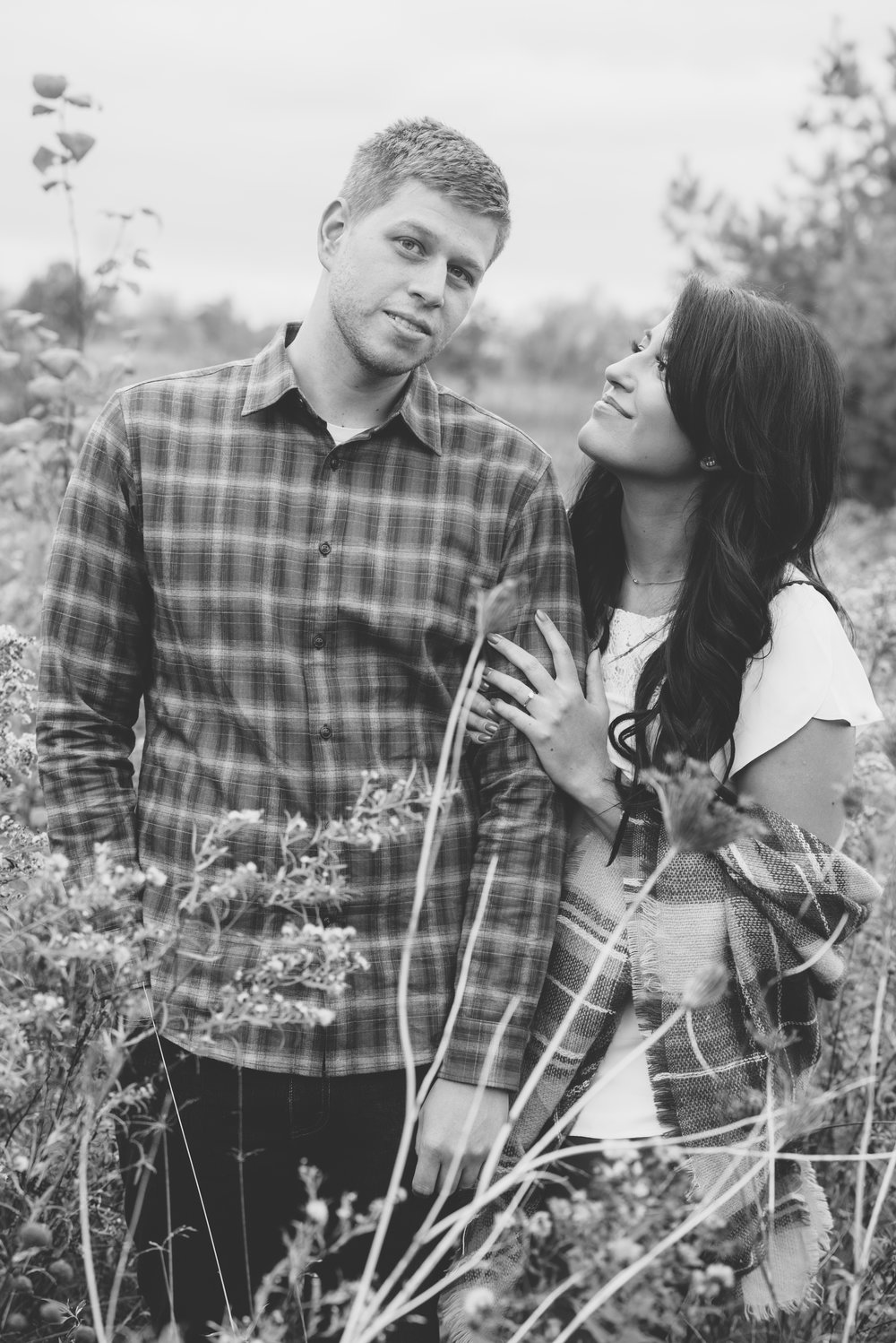 Fall engagement session soundslikeyellowphotography burlington ontario canada