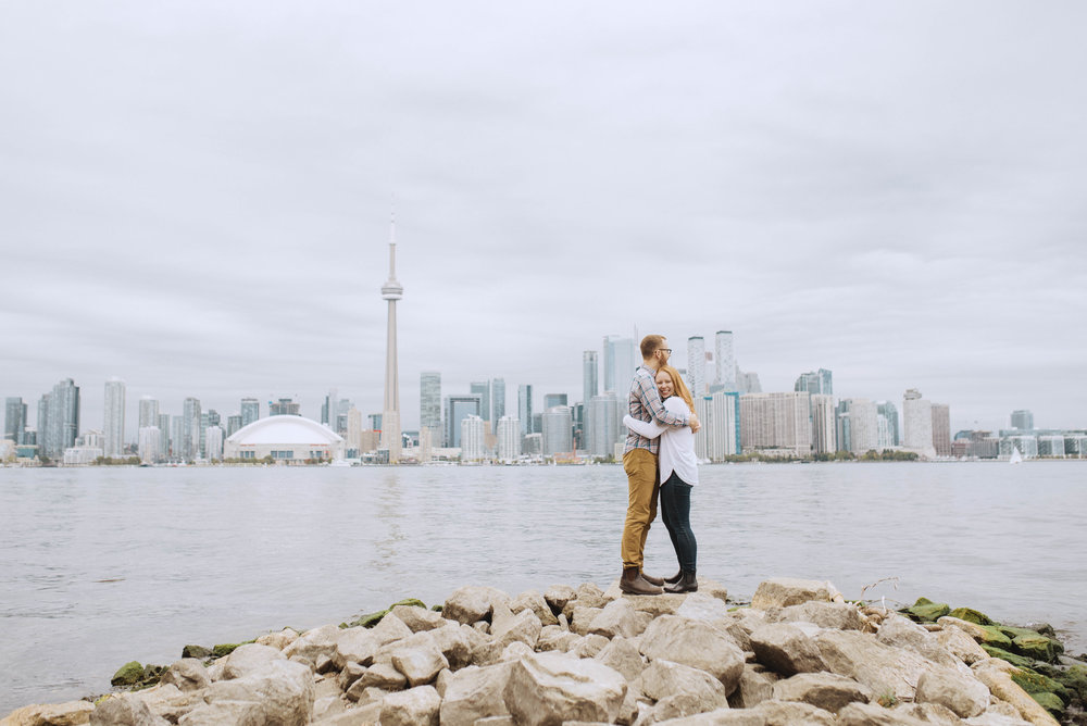 Toronto island engagement session with soundslikeyellowphotography
