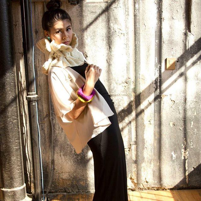 Ladieloops service! • • • #knitwear #knit #naturalfibers #wool #LadieLoops #loveknits #luxury #luxuryknits  #luxuryknitwear #handmade #knitweardesigner #loops #knitandpurl #lovetoknit #cotton #cashmere #alpaca #wool #superwashwool #mensknits #womenknits #knittedscarf handknit #fallinlovewithknits #fashionknitwear #bedifferentinLadieLoops #yearroundknits