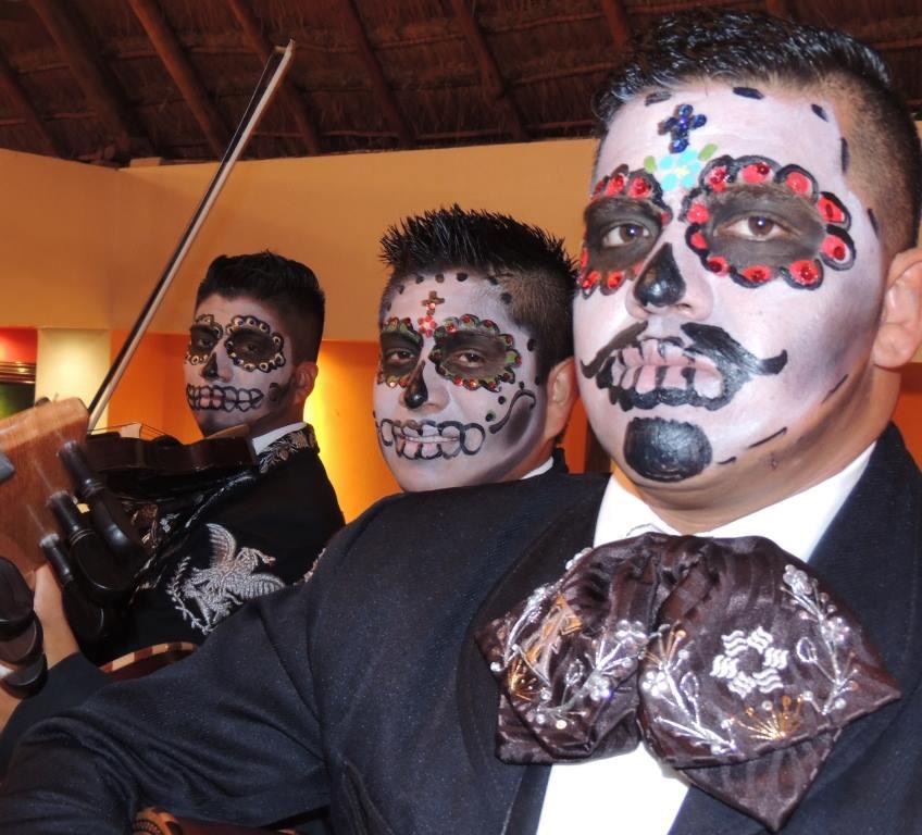 Mariachi-Tulum-dia-de-los-muertos.jpg
