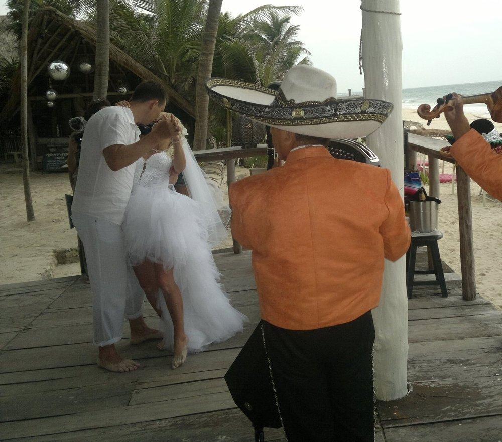 Mariachi-Tulum-romantic.jpg