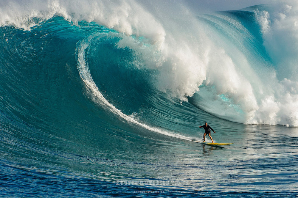 Andrea Moller by AJ Messier Jaws Maui Jan 2016.jpg