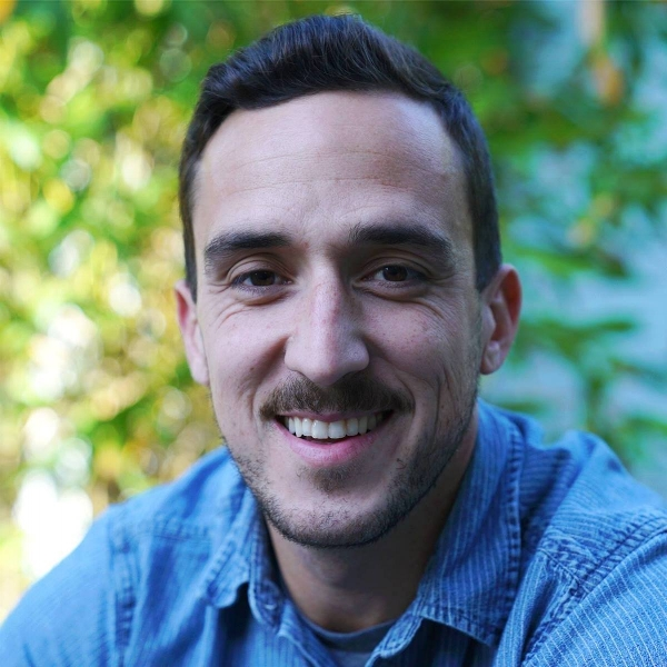 Tim Molina Headshot.jpg