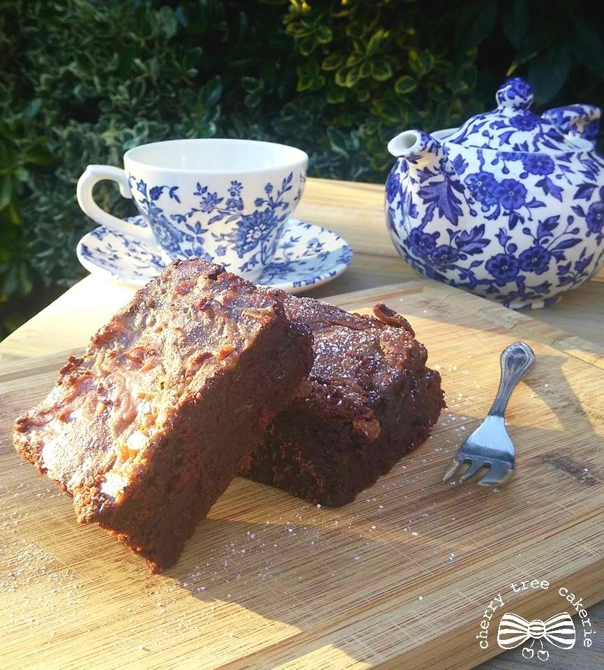chocolate-brownies-afternoon-tea
