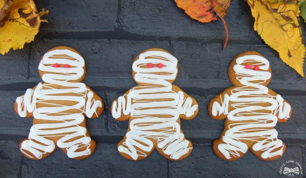 halloween-mummy-gingerbread