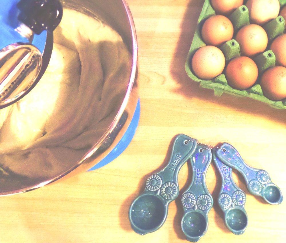 cake-making-ingredients-flat-lay