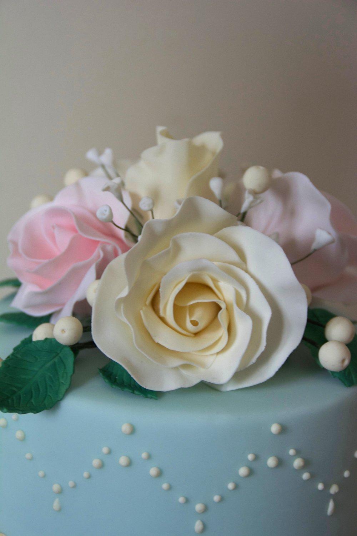 Sugar-flowers-wedding-cake-topper