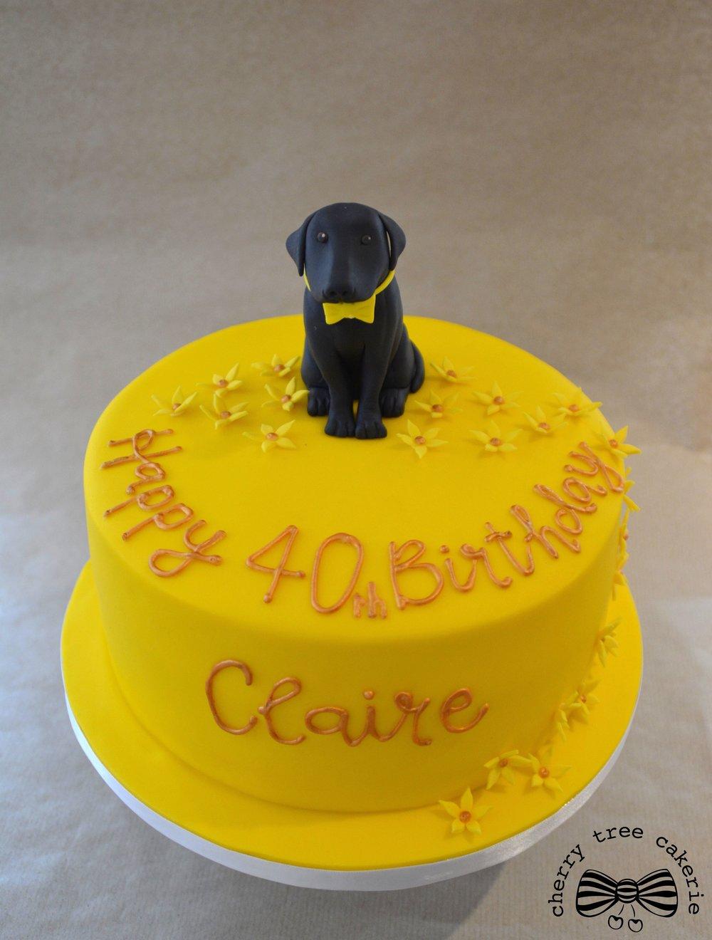 Black-labrador-yellow-birthday-cake