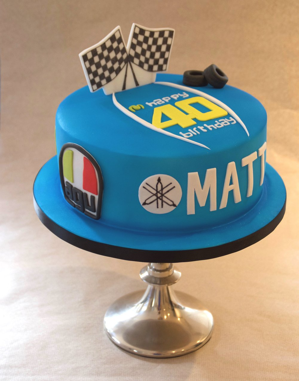Motorcycle-sport-themed-birthday-cake