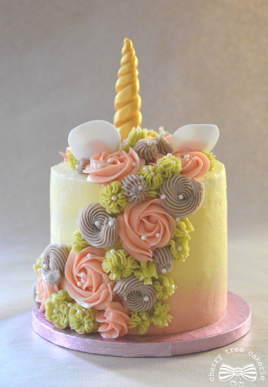 pastel-pink-unicorn-cake-mane