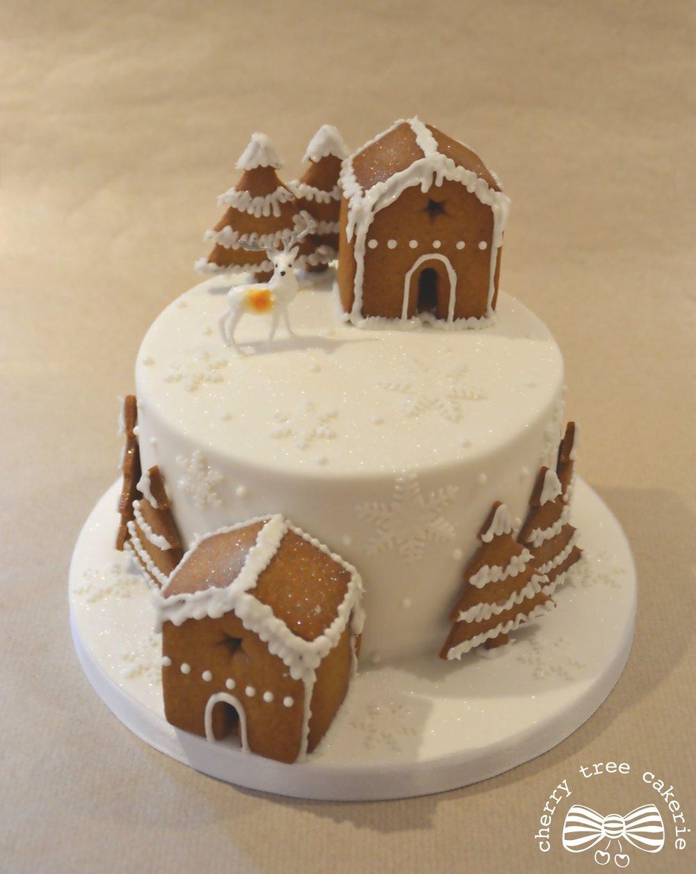 gingerbread-house-scandanavian-christmas-cake