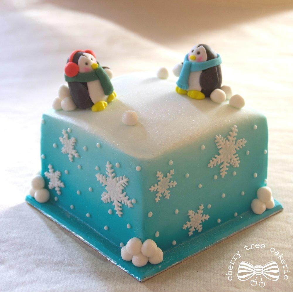 penguin-snowball-fight-christmas-cake