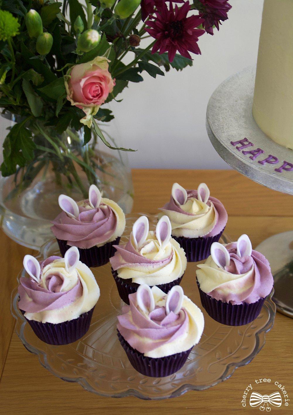 bunny-rabbit-ears-cupcakes