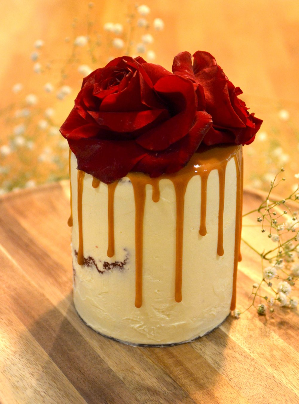 Red-Rose-buttercream-mini-drip-cake.jpg