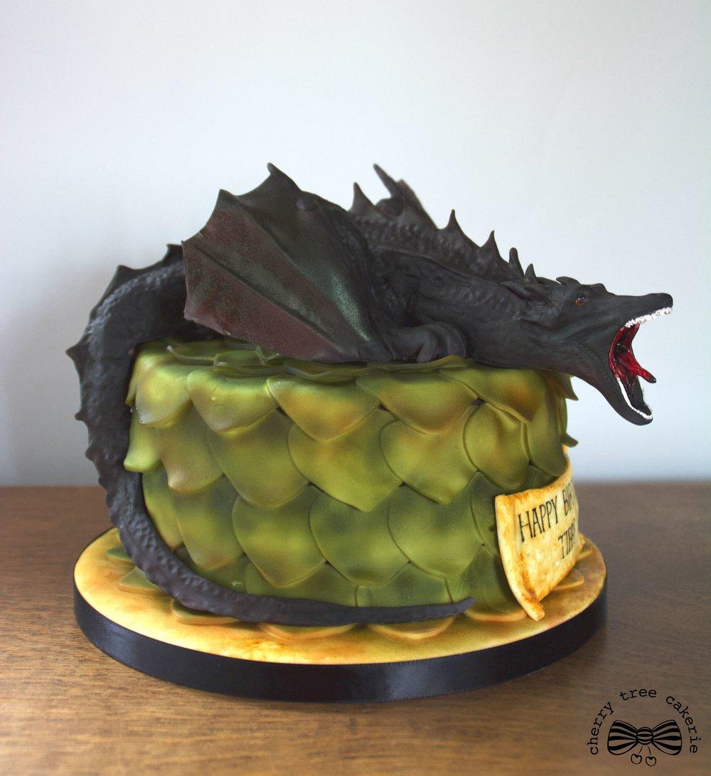Game_of_Thrones_Dragon_Cake_full_side_view.jpg