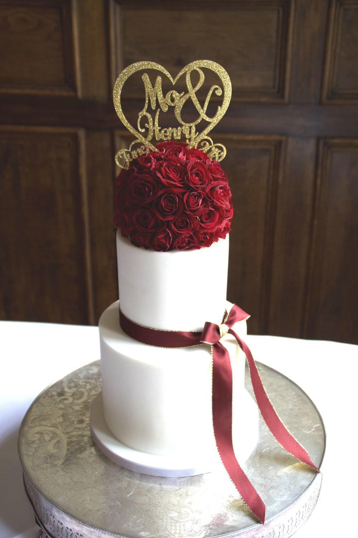 Red rose wedding cake.jpg