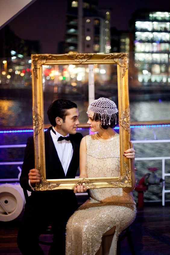 This couple chose a vintage looking frame to highlight their vintage attire and urban setting - Pinterest