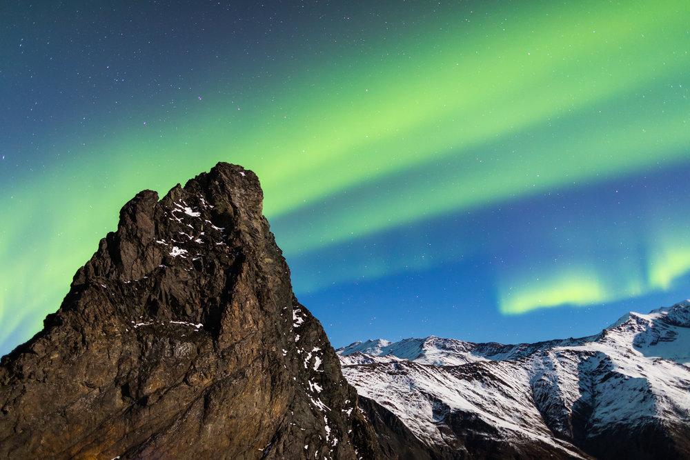 Aurora over Devils Thumb