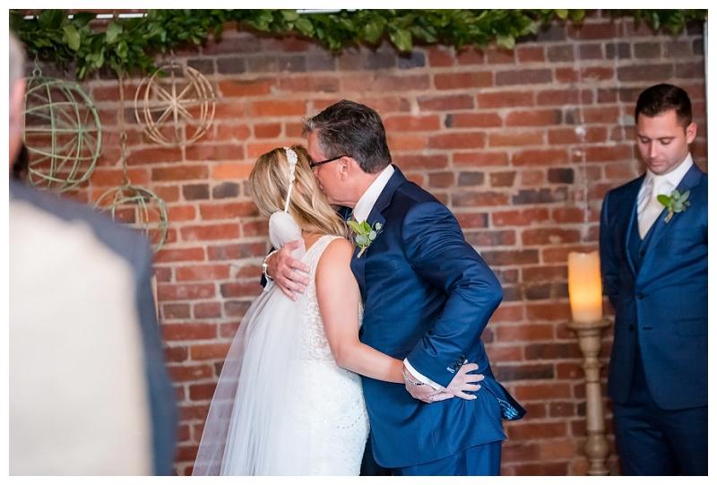 The_Loft_at_600_F_wedding_0026.jpg
