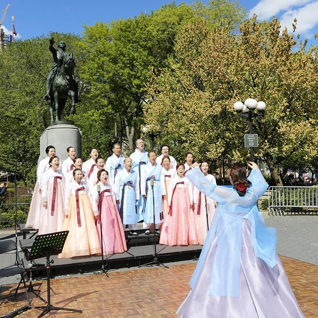 "GAMROYEON  Choir   Sundays from 2pm to 4pm  Led by a conductor/Soprano Sorim Park, the choir, ""Gamroyeon"", has been actively participating in numerous Buddhist events and ceremonies, including the Lotus Lantern Parade in Union Square for the annual Vesak day."