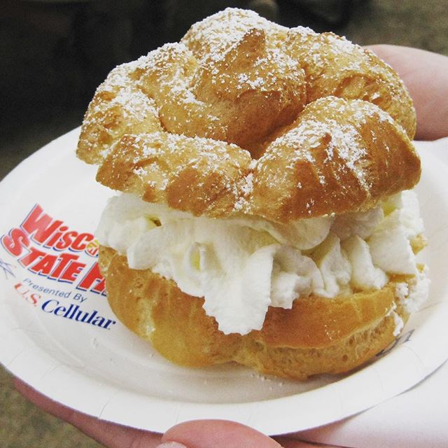 Wisconsin State Fair is finally here!!! Don't get caught walking around looking like a CREAM PUFF (which are borderline obnoxiously delicious BTW 🤗😋). If you can't tone it up in time, TAN IT!!! It's no secret how slenderizing a tan can be.  Book your APPOINTMENT today before the food and 👀people watching 👀 festivities begin! It's going to be a ☀️HOT☀️ one this weekend... aka SHORTS WEATHER!!! • • • • #creampuff #wisconsin #statefair #tan #skincare #wistatefair #peoplewatching #food #sunlesstan #spraytan #foodporn #bronze #safe #toneitup @wistatefair
