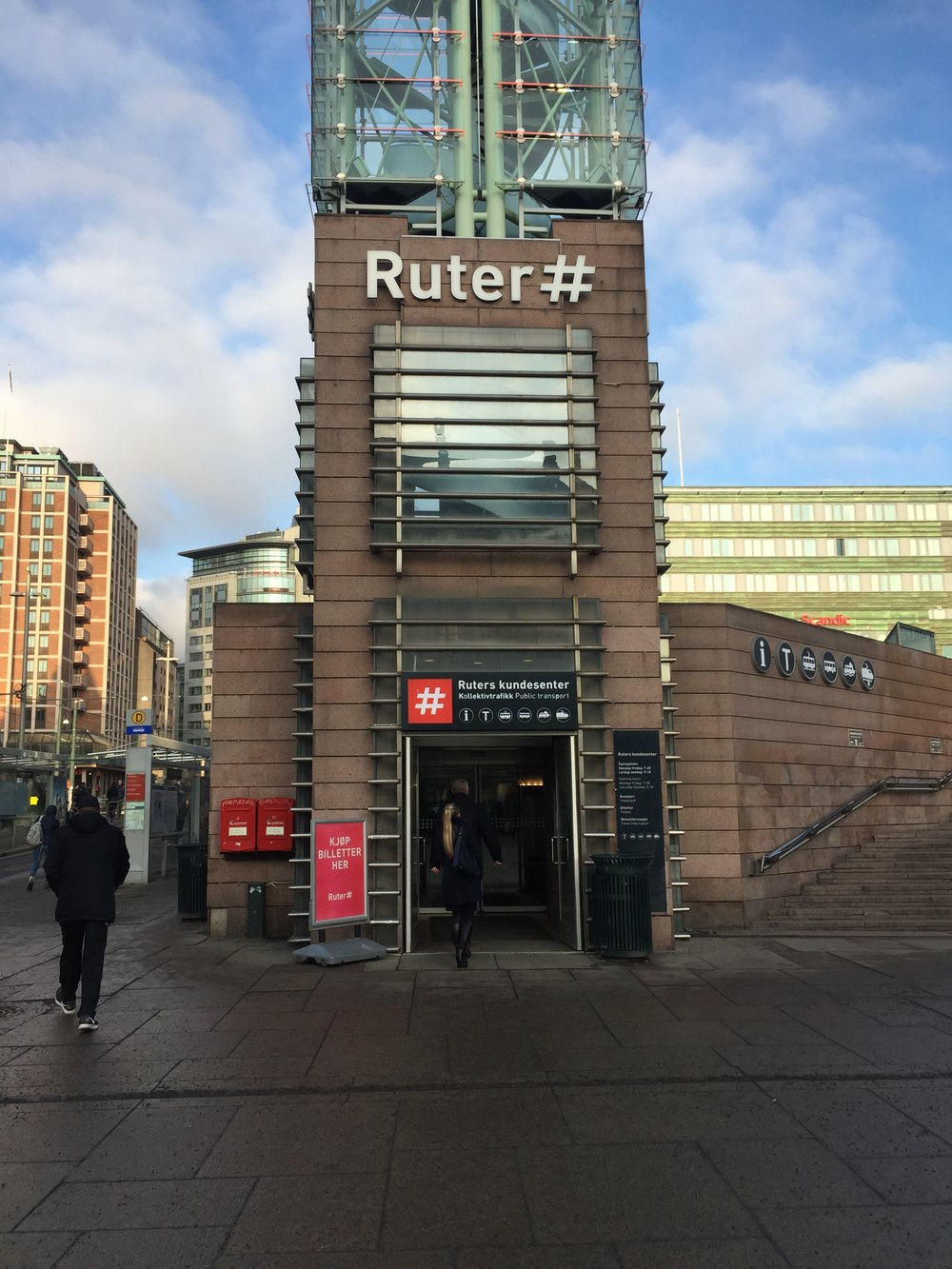 Ruter customer service center at Jernbanetorget.