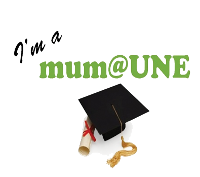 Mums@UNE-Logo