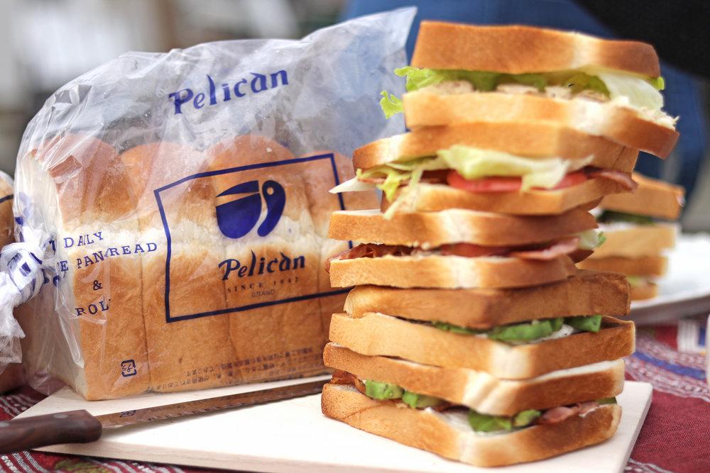 食パンはおなじみペリカンさん。