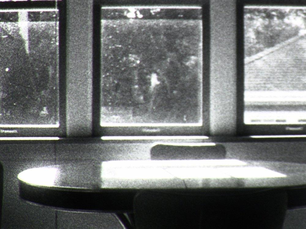 Findings Kioto Aoki 2017 |3 minutes |USA |16mm |b&w | silent |world premiere A navigation of space via bodies of light. -KA