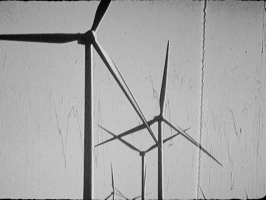 UNTITLED (windmills)     Gonzalo Egurza   2015 | 3 minutes | Argentina | Super 8 | B&W | silent  An animated portrait of windmills in Patagonia, Argentina. -GE