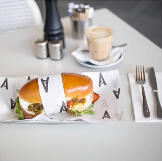 Sandwich_AvenueOnChifley.JPG