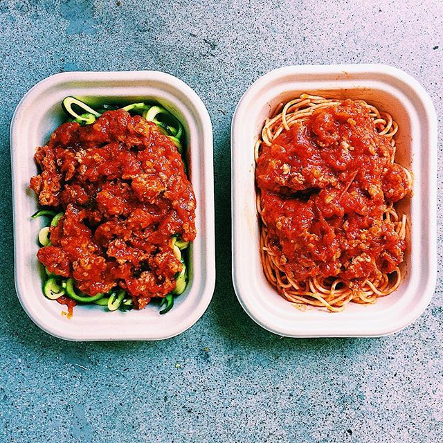 """i have section each week on my menu called """"simple"""" containing items that are kid friendly (ie chicken nuggets, mini turkey meatballs)...but I feel like labeling it as such is too limiting...because there are always lots of yummy options like this turkey bolognese! served over your choice of zoodles or quinoa spaghetti!🍝 . . . . . . #healthyeats #healthyeating #mealdelivery #mealdeliverylosangeles #mealprep #manhattanbeach #lafood #lamealdelivery #southbay  #dailyfoodfeed #instaeats #huffposttaste #feedfeed #buzzfeedfood  #yahoofood #vscofood #food4thought #healthyliving #igfood #foodiegram  #foodpics #goodmoodfood #eatwelllivewell #eatrealfood #balance #healthy #homemade"""
