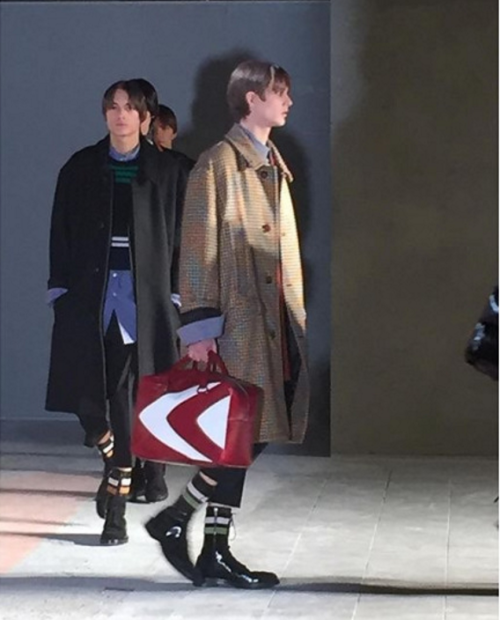 An ode to the squared doctor's medic bags were seen with printed retro graphics. Photo via Marco0424.