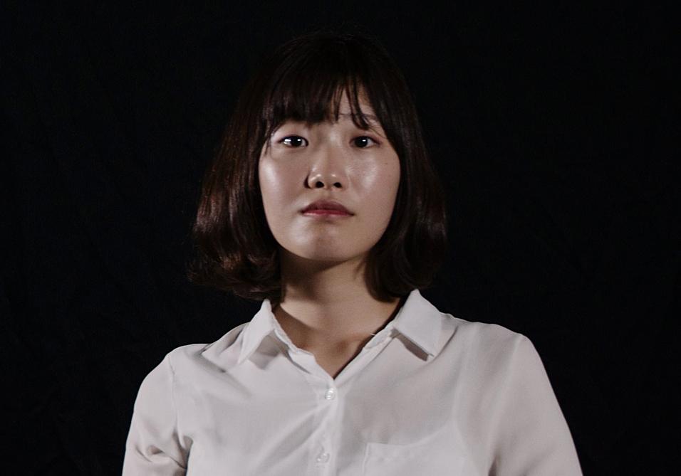 Jang Eun-Ha - Activist 장은하 - 피켓 시위