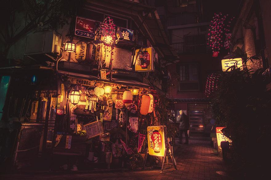 tokyo-streets-night-photography-masashi-wakui-28.jpg